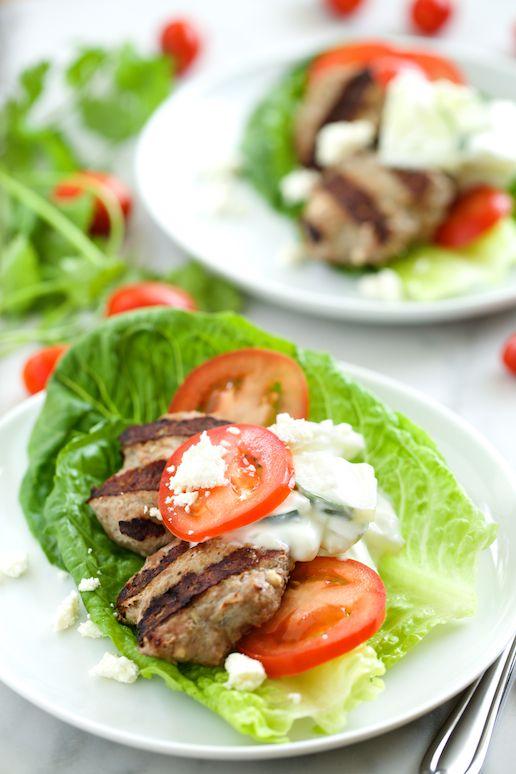 Feta Gyro hamburguesas con salsa Tzatziki |  GI 365