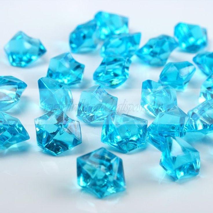 Cristalli di ghiaccio celeste/Light blu crystals. Disponibile su http://www.ilvillaggiodeglisposi.com/