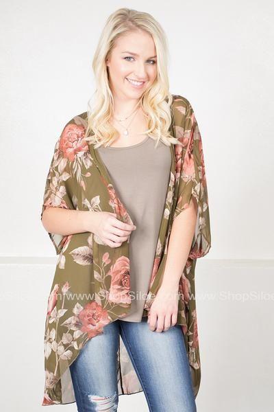 Greenery Rose Floral Kimono #fashion #outfit #kimono #floral #fall