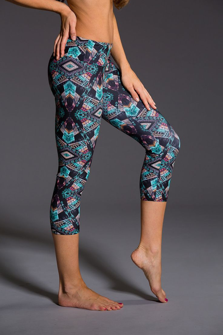 Gorgeous shades of grey and turquoise with aztec shapes reminds me of Arizona Onzie capris are great to spice up any work out! With a low-rise waist band, they are designed to be form-fitted and will
