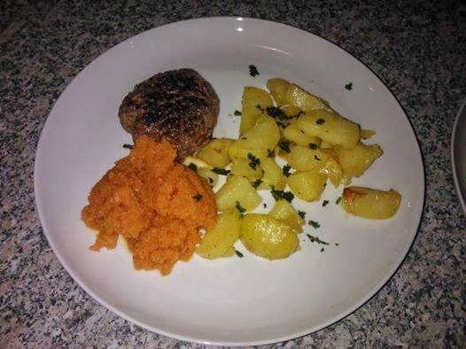 5:2 Kuren: Opskrift: Hakkebøf med bagte kartofler og gulerods...