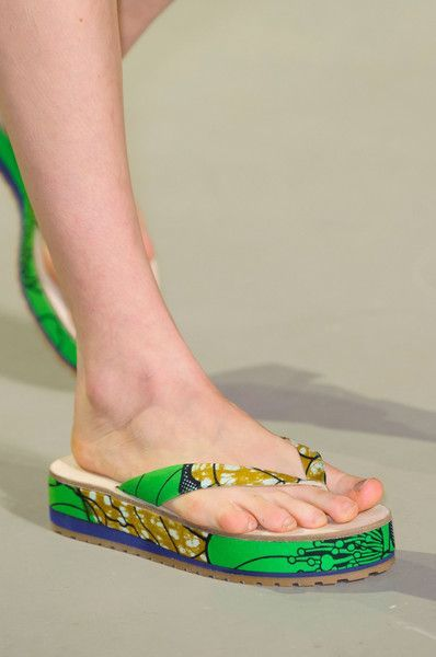 26 Beach Shoes That Will Inspire You