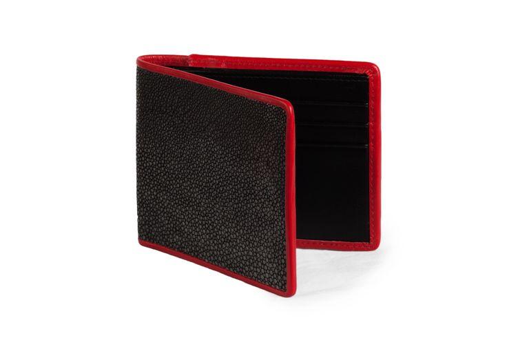 Our new shagreen wallet. // Notre nouveau portefeuille en galuchat. Avalaible on // Disponible sur : http://www.galerie-galuchat.com/boutique/portefeuille-galerie-galuchat