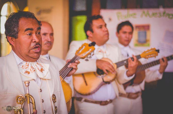 Mike Moss fotógrafo de bodas en todo México. Lo mariachis un clásico en las bodas mexicanas. #Wedding #Boda #Bodas #Mexico #México #mariachi #mariachis #tradicional #musicos # #musicians  #Love #Hidalgo #Pachuca #cute  #weddingsong #bestmoments