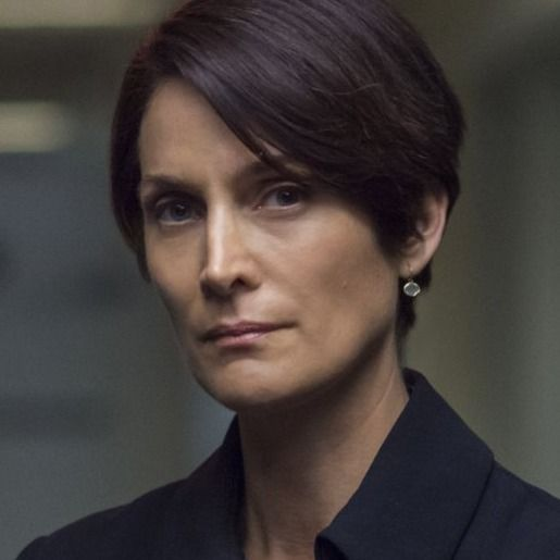 Carrie-Anne Moss as Jeri Hogarth in <em>Marvel's Jessica Jones</em>.