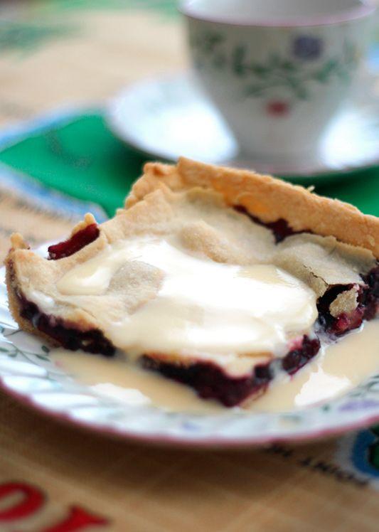 Grandmas Mulberry Pie – Made with love!