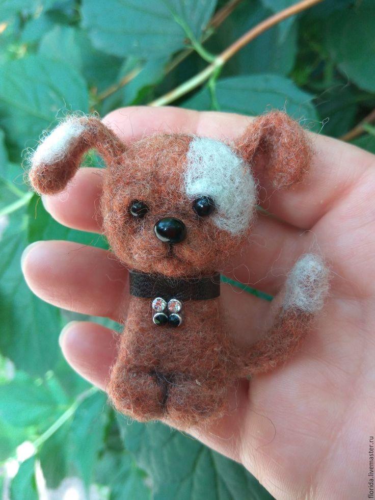 Купить Брошь войлочная «Песик Бим» - бежевый, песик, собачка, собака игрушка, собака валяная