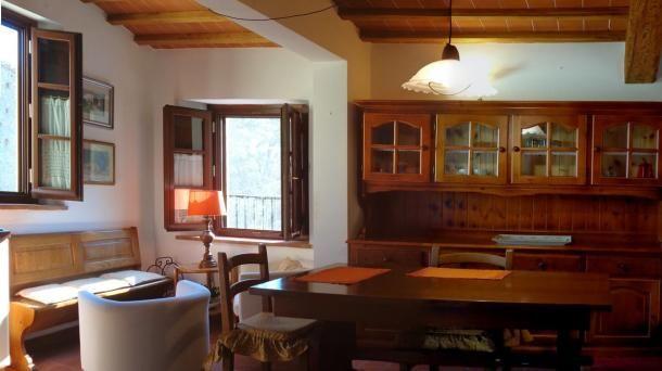Vendita Bilocale Vicopisano in stile rustico, località Lugnano. Per info e appuntamenti Diego 050/771080 - 348/3259137