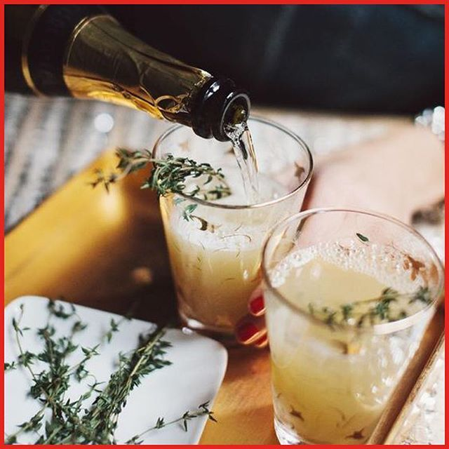 December 15: Pear Nectar & Thyme Mimosa⠀ Recipe:⠀ Try a refreshing take on the traditional mimosa by swapping your orange juice for pear nectar and add a sprig of thyme. This morning cocktail goes down easy and will surely get your guests in Christmas mood!⠀ Image and recipe from @glitterguide⠀ #christmas #calendar #julkalender #mimosa #cocktail #recipe