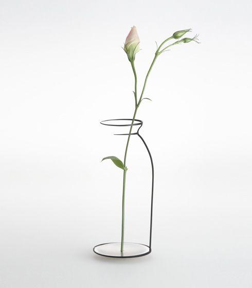 空間にスケッチされた花びん。 - まとめのインテリア / デザイン雑貨とインテリアのまとめ。 もっと見る