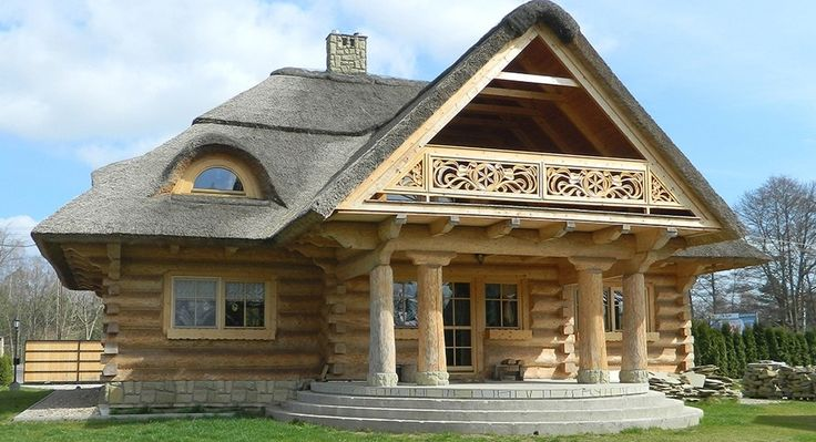Refined and Very Attractive Log Home