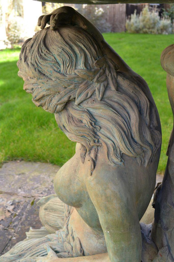 Statue in our wonderful gardens - univ.ox.ac.uk