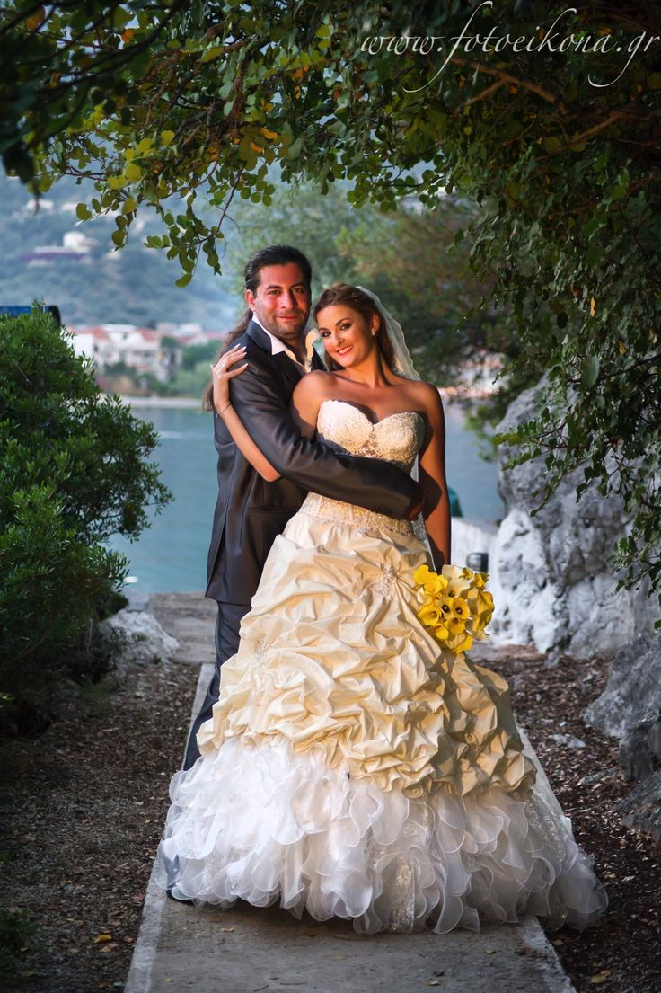 Lively couple & lovely wedding photos Nidri #Lefkas #Ionian #Greece #wedding #weddingdestination Eikona Lefkada Stavraka Kritikos