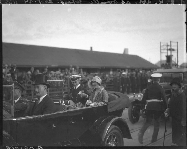112428PD: The royal procession, 1927 https://encore.slwa.wa.gov.au/iii/encore/record/C__Rb2214867