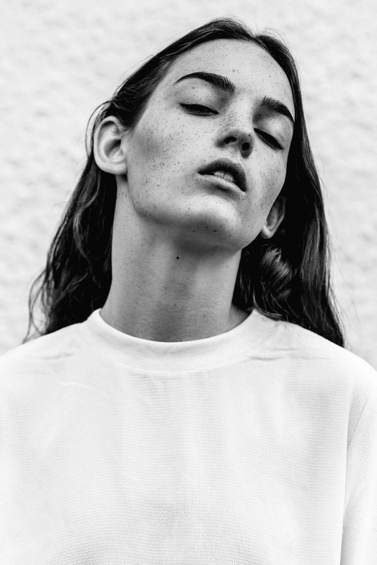 Agnes Anjou Olofsson at Mikas