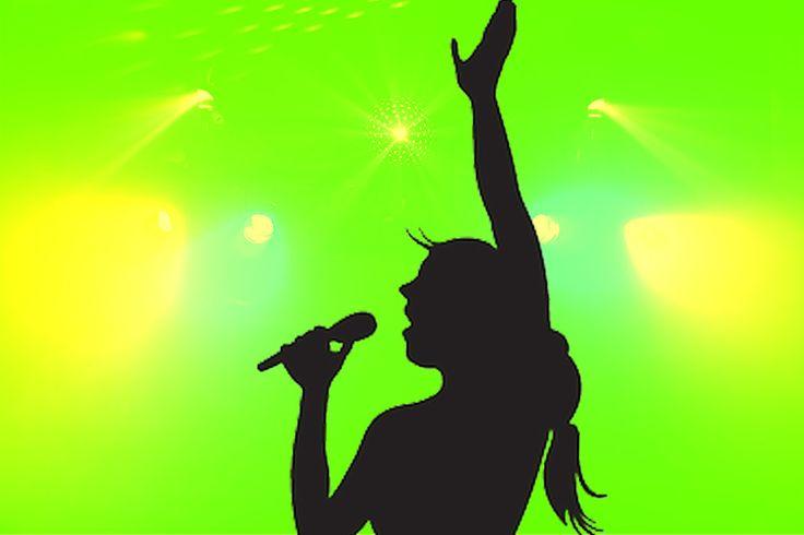 Suara yang merdu merupakan hal yang wajib dimiliki penyanyi profesional, tehnik menyanyi pun ikut andil. Berikut sederet penyanyi dengan suara tertinggi: