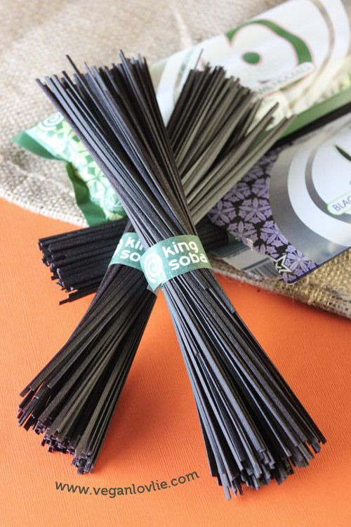 King Soba Noodles - Black Rice Noodles and Brown Rice Noodles with Wakame. Yummy!