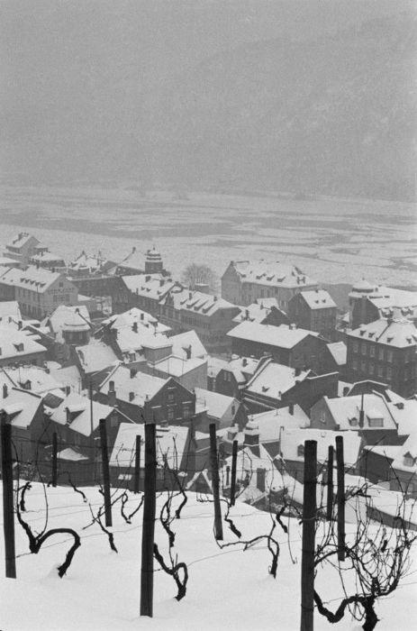 rooftops Henri Cartier-Bresson 1956.