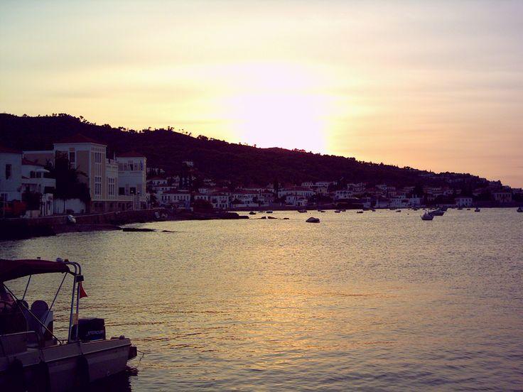 σπετσες ηλιοβασιλεμα