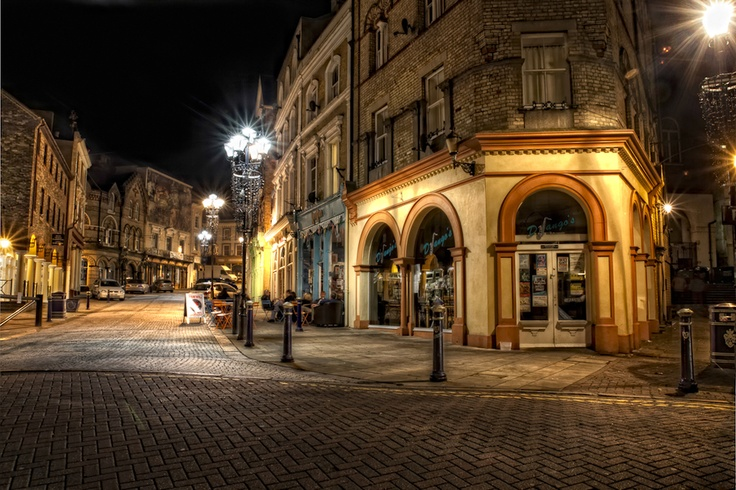 Rendezvous Street at night
