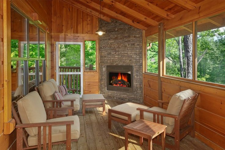 A luxury cabin in Gatlinburg, Four Seasons is one of the best values in Elk Springs Resort.  Enjoy the screened in porch and outdoor fireplace in this 3 story pet friendly cabin.