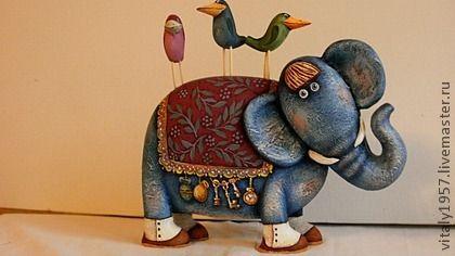 Коллекционные куклы ручной работы. Ярмарка Мастеров - ручная работа Слон и его друзья . Деревянная скульптура. Ручная роспись. Handmade.