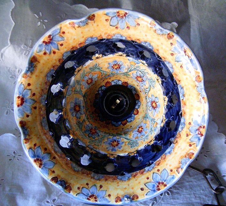 Lampadario in maiolica traforato.Decoro  Floris  diametro 28cm