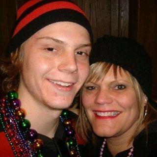 Evan and his sister, Michelle <3 #evanpeters /#evanpetersfanpage /#ahs /#americanhorrorstory /#murderhouse /#tate #tatelangdon /#asylum /#kit /#kitwalker /#coven /#kyle /#kylespencer /#freakshow /#jimmy /#jimmydarling /#hotel /#mrmarch /#jamesmarch /#jamespatrickmarch /#xmen /#xmenapocalypse /#quicksilver
