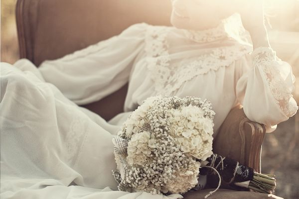 amazing lighting: Lace Flowers, Flowers Bouquets, Vintage Lace, Unique Wedding, Victorian Wedding, White Bouquets, Bride, The Dresses, Vintage Inspiration