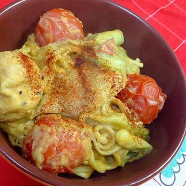 乾麺をそのまま豆乳から茹でて、ネギ、鶏肉、がんも、トマトを一緒に煮込み、ルーを入れ、時短15分!! - 49件のもぐもぐ - 豆乳カレーうどん! by MALONERIKO