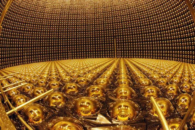 ノーベル物理学賞を受賞した梶田隆章さん。研究の舞台「スーパーカミオカンデ」とはどのような施設なのでしょうか?
