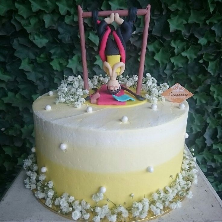 A Customized Cake specially designed for beloved wife. An antigravity Yoga or known as Aerial Yoga is choosen as the themed.  Its her favorite exercise, with Banana Chocolate Peanut Butter Cake covered in Yellow Ombre Premium Buttercream and surrounded in beautiful fresh Baby Breath Flowers! Simple looks but lots of love and meaning!  #cassonade #cassonadecake #cakejkt #Customizedcake #birthdaycake #homemade #aerialyoga #antigravityyoga #banana #peanutbutter #Chocolate #cake #cakeonlinejkt