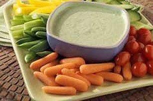 Recept Magere Dipsaus Pikant. Het is wel lekker om  te mogen dippen als je aan de lijn bent. (Nee, niet met chips natuurlijk!) Maar wel voor rauwkost dip zoals kleine worteltjes en komkommer, enz.