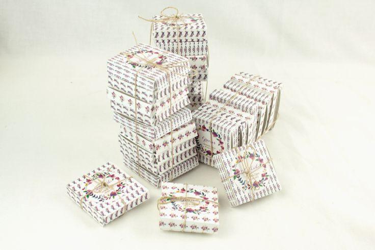 Chocolatinas en cajita personalizada para agradecer a los invitados en vuesto día b