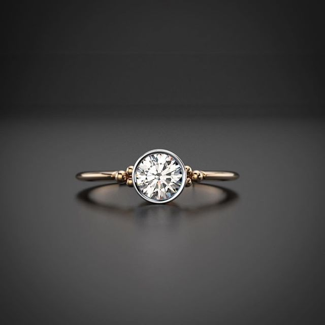 """Finland has the best water quality in the world. It is pure, rare and genuine. In our own work at Oz Jewel, we are striving for this. Name of the ring is """"Lähde"""" (wellspring or source in english)  #diamondring #vesanilsson #timanttisormus #designdistricthelsinki #ozjewel #vihkisormus #unioninkatu"""