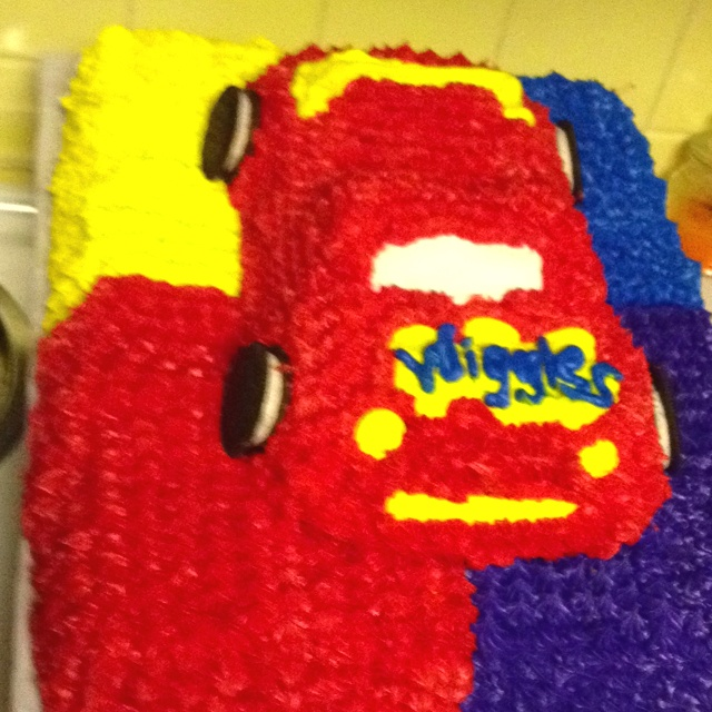 Gram made an awesome Wiggles Big Red Car cake for Zach's 4th Birthday Party!!!!!!!