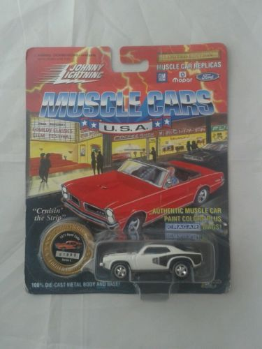 Johnny-lightning-Muscle-cars-USA-die-cast-car-1971-hemi-cuba-series-5