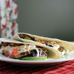 If you like mojitos, then these chicken tacos are for you!   Yummy ...
