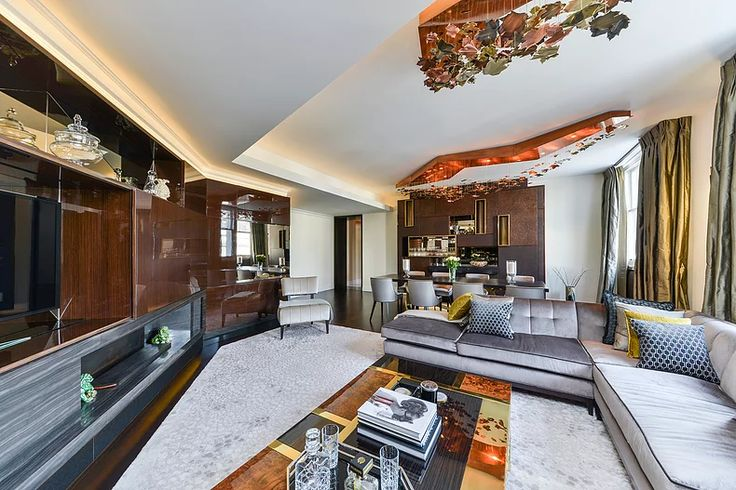 Living / Dining room by Macassar Properties - London investment and development company