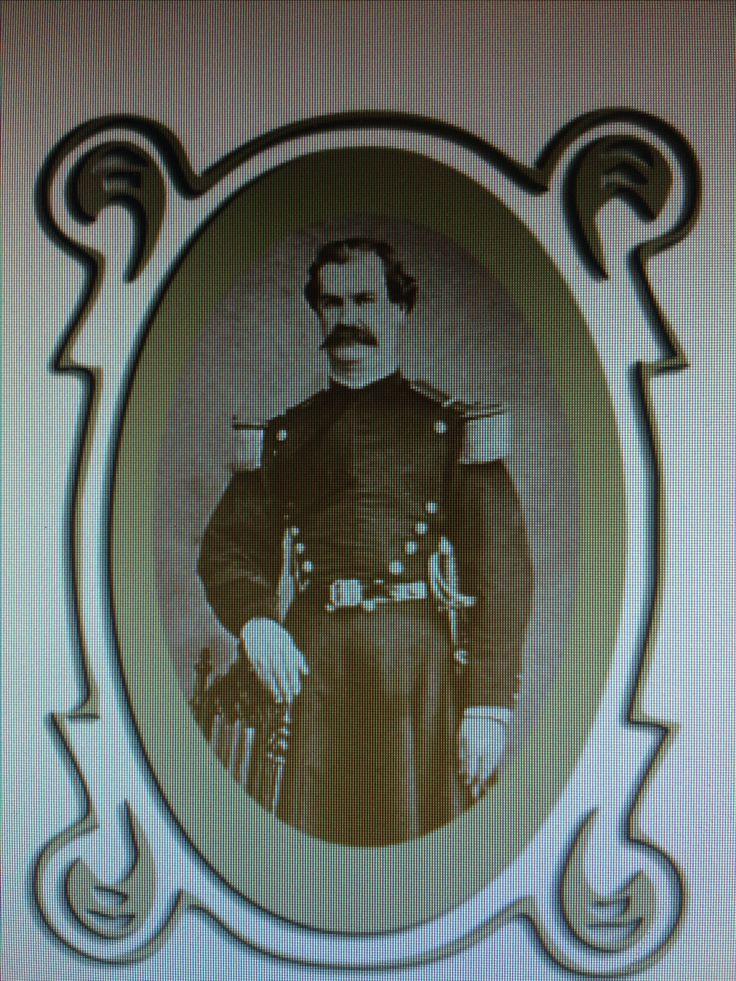 Rafael de la Rosa (1824-1900) 1846 ingresa al Ejército como subteniente de Infantería. Presta servicios en el Batallón Chacabuco, Yungay y Santiago. En la guerra contra España fue Capitán del 9° de Línea. En la Guerra del Pacífico, como Teniente Coronel fue el 2° jefe del Regimiento Valparaíso. Peleó en Chorrillos y Miraflores. A la muerte del Comandante Marchant quedó como Comandante.