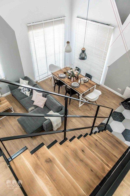 Szeretem, amikor egy lakás klassz ötletektől lesz egyedi, és nem a bele vásárolt drága bútoroktól. Ebben a lengyel loftban (design by Sho...