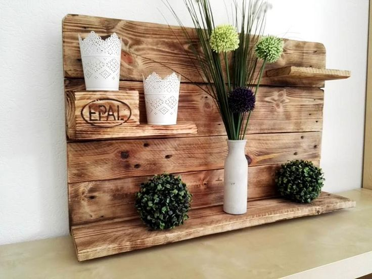Gorgeous Pallet Display Shelf - 101 Pallet Ideas