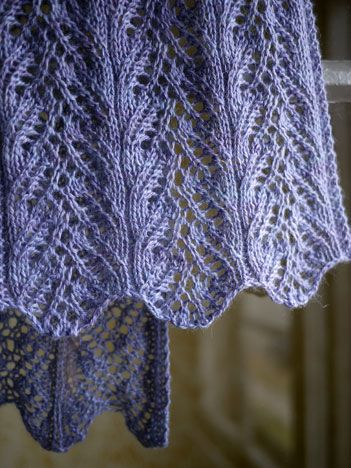 Lace scarf to knit. Pattern http://www.knitspot.com/knitting_pattern/aria-delicato-p-397.html (AC) *