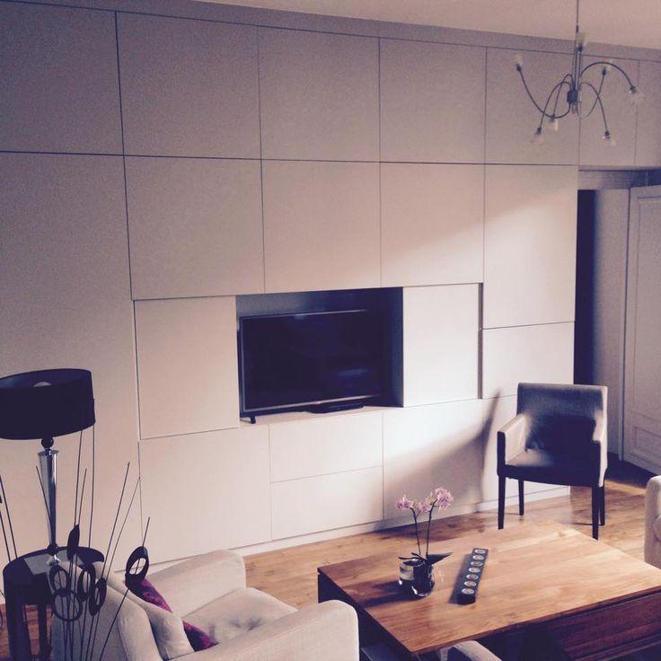 placard rangement sur mesure quadro qui int gre une t l vision meuble tv le rangement est. Black Bedroom Furniture Sets. Home Design Ideas