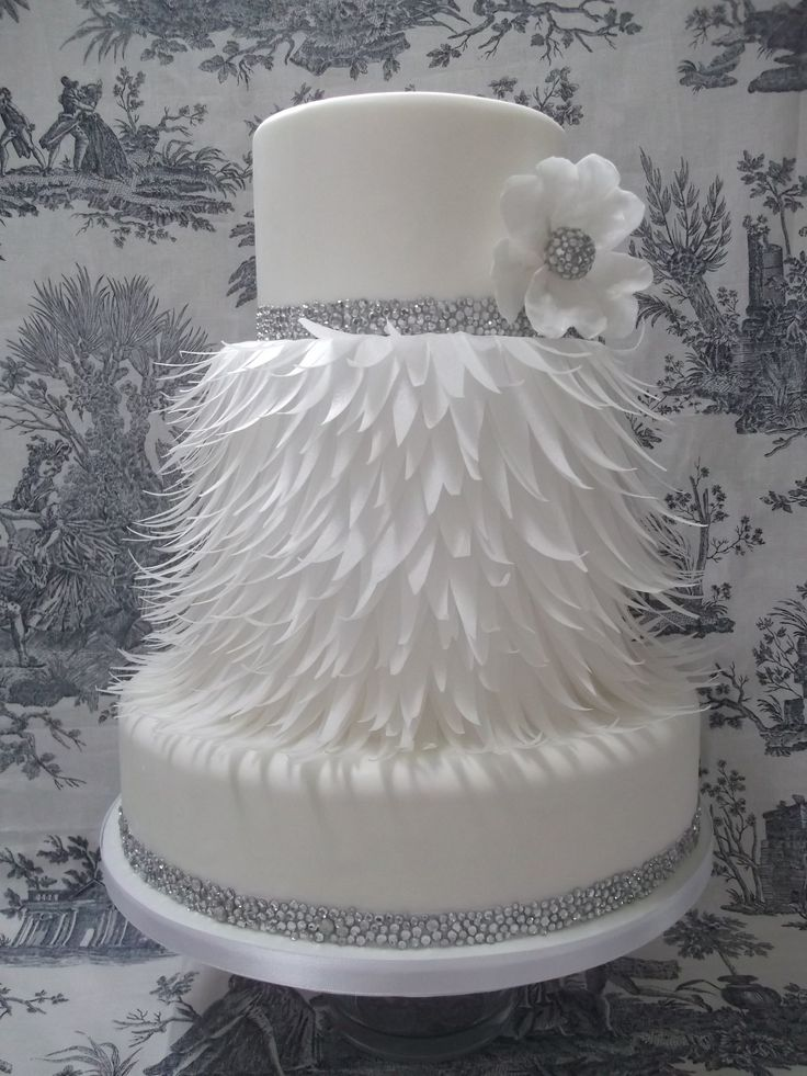 25 Best Ideas About Round Wedding Cakes On Pinterest