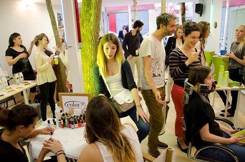 Messieurs-Dames investit également le Carreaux ! Coupe sur cheveux secs et conseils par une équipe de pros : le tout gratuitement (sous réserve de disponibilité).