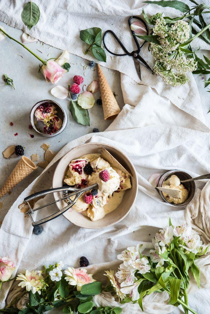 Gelato al vino malvasia variegato con frutti di bosco, un gelato alla crema aromatizzato al vino, profumato e originale. In the Mood for summer, su Issuu.