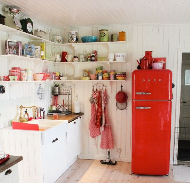 Red refrigerator , I'm in love <3