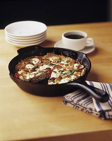 Egg White Frittata with Tomatoes, Spinach, Mushrooms and Goat Cheese