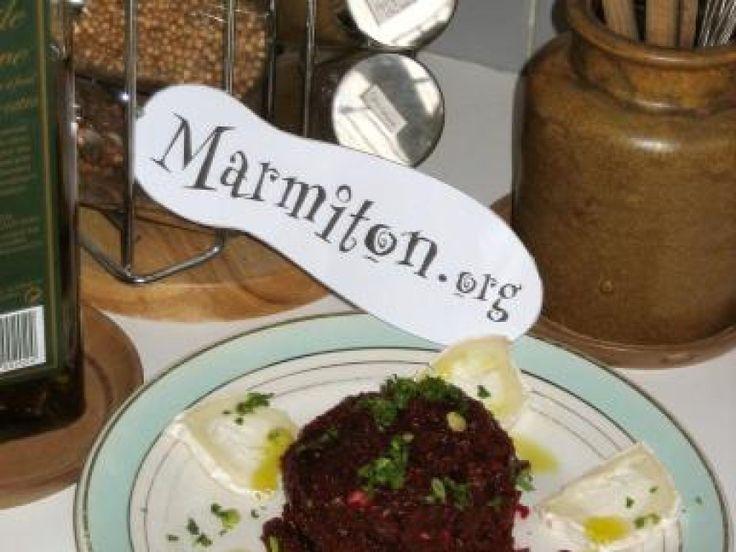 Tartare végétarien de betteraves rouges au fromage de chèvre